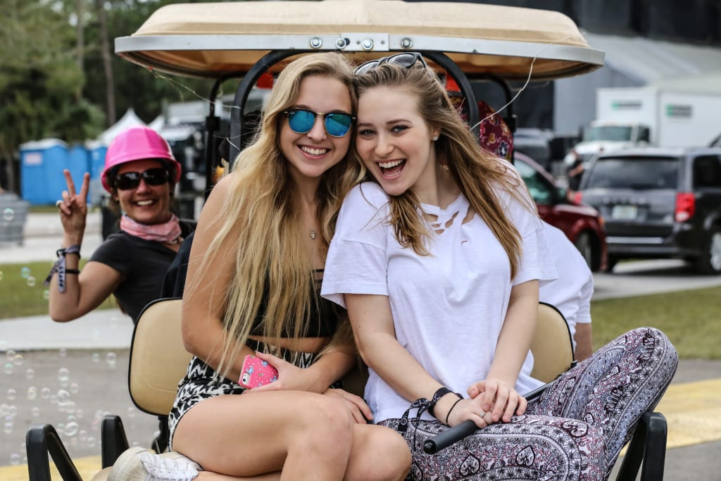 Happy faces at Okeechobee. Photo: Brian Hensley // Brian Hensley Photography/MusicFestNews