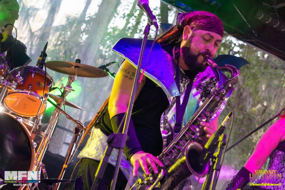 Micahel Garrie and Juanjamon of the Juanjamon Band