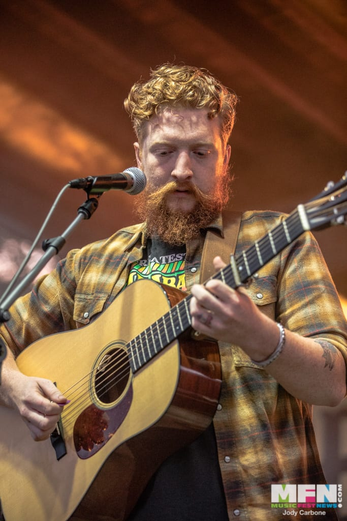 Tyler Childers Devils Backbone Hoopla 2018